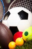 haldy sportovních míčů