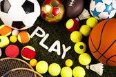 barevné sportovní míče