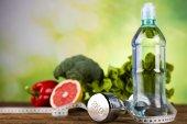 Fotografie Koncept zdravého životního stylu, složení vitamínů