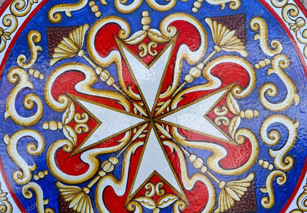 Krzyż maltański — Zdjęcie stockowe © lsantilli #72098121