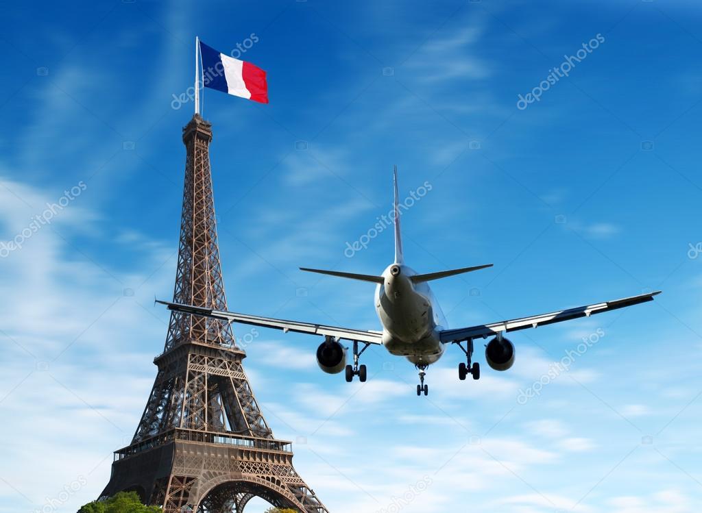 avi n sobre par s francia concepto de turismo y vacaciones foto de stock lsantilli 98941708. Black Bedroom Furniture Sets. Home Design Ideas