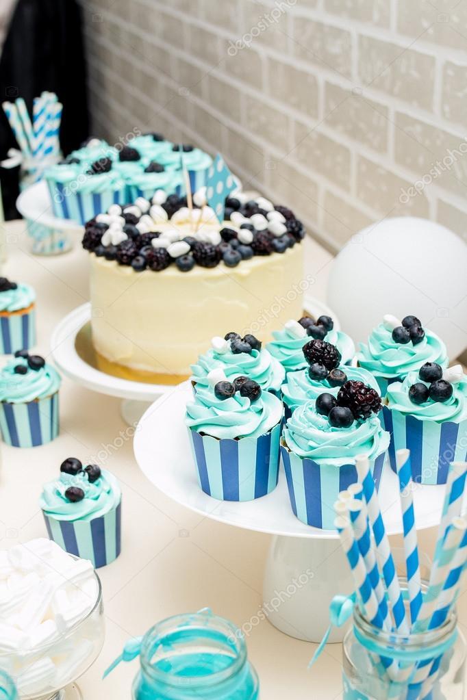Cupcakes Decorados Para Ano Nuevo Zona De Barra De Caramelo Color