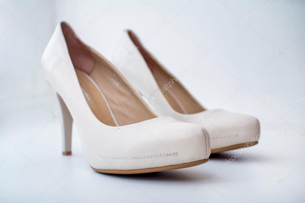 0bf5028acef Κομψή Γυναικεία παπούτσια — Φωτογραφία Αρχείου © frantic00 #88461808