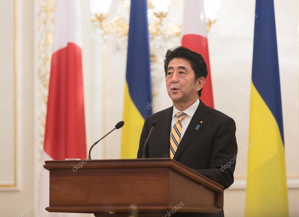 Resultado de imagem para Shinzo Abe no Japão