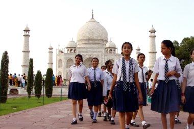 School girls in front of Taj Mahal