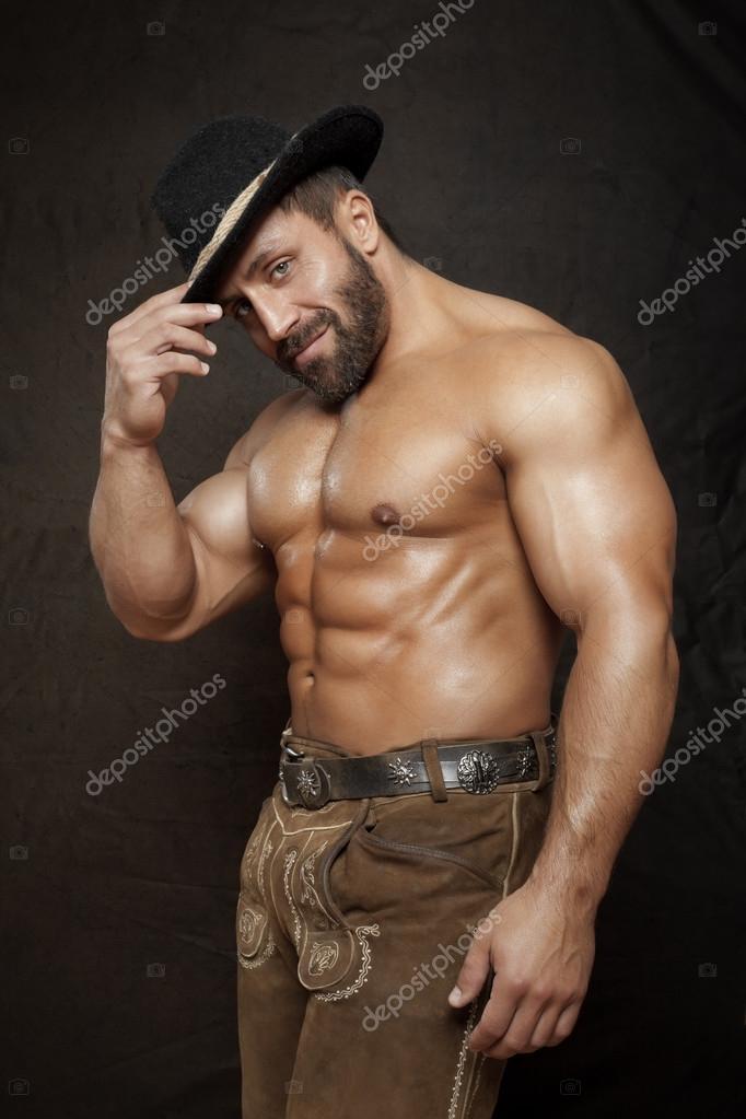 Hombre musculoso guapo semidesnuda — Foto de stock