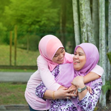 Muslim mother and daughter