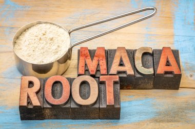 scoop of maca root powder