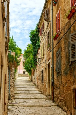 Narrow streets in Pula