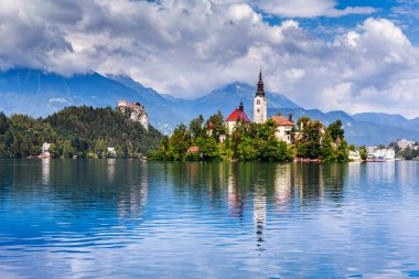 Bled with lake, island, castle and mountains