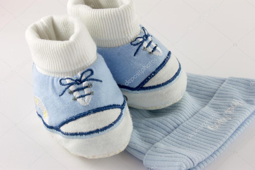 Spullen Voor Baby.Baby Spullen En Schoenen Geisoleerd Op Wit Stockfoto C Tundephoto