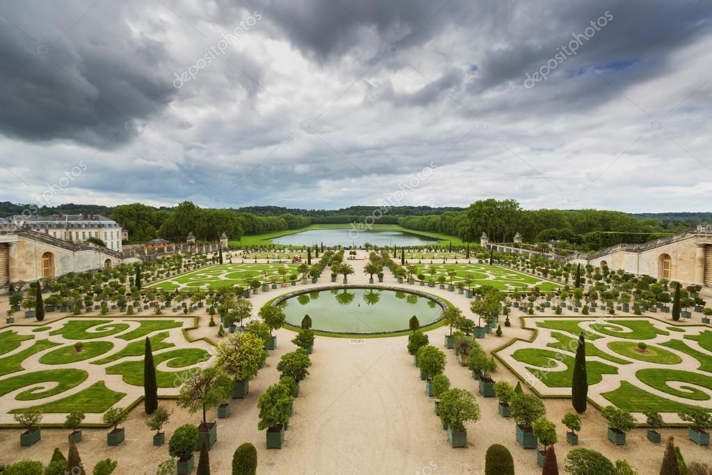 Paleis Van Versailles Tuin.Prachtige Tuin In Een Beroemde Paleis Versailles Frankrijk