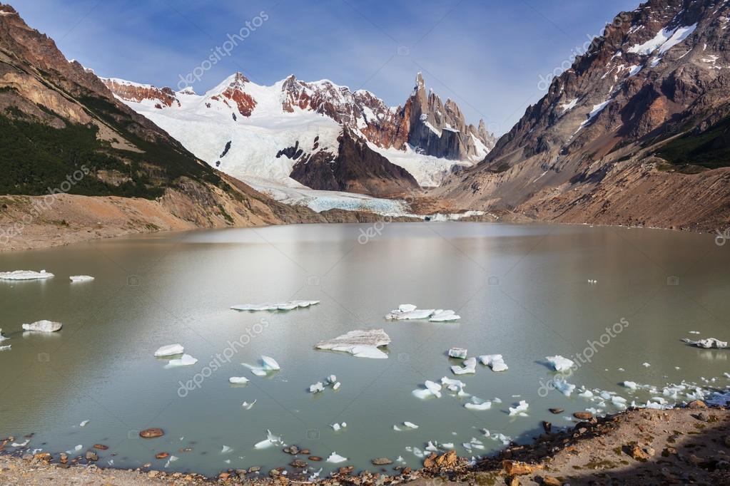 Cerro Torre in Argentinae