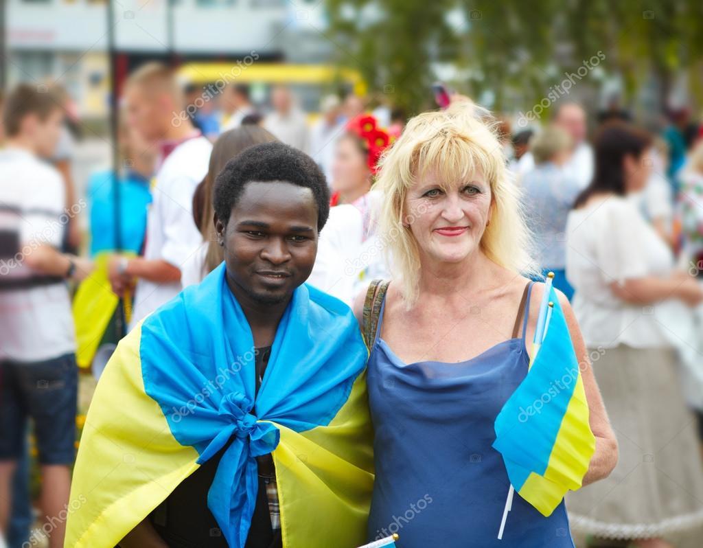 Weiße Frauen, die afrikanische Männer suchen