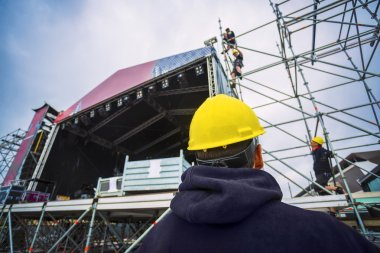 building entertainment stage for music festival