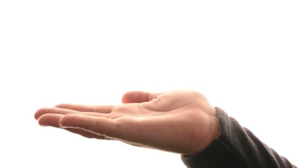 Prázdný mužské ruce drží něco nad bílým pozadím