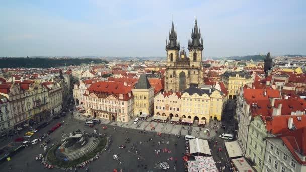 Staroměstské náměstí v Praze, Česká republika s gotická katedrála sv. teyn