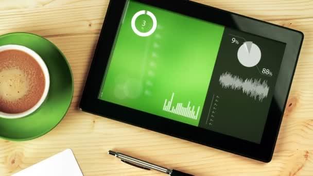 Různé grafy animovaná infografika na digitální tabletový počítač umístěn na kancelářský stůl