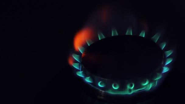 Domácí domácí kuchyň plynový sporák, vypalování