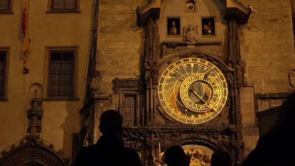 Pražský orloj v noci