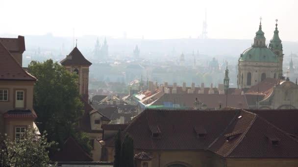 Církev Praha Svatý Mikuláš se nachází malá strana a části starého města