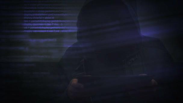 K nepoznání kapucí Kyberzločinci s digitálním tabletový počítač