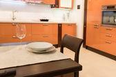 Fotografie Tisch serviert hautnah
