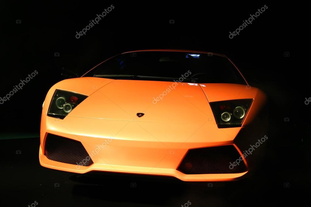 Attractive Wolfsburg, Alemanha   14 De Agosto, 2014: Supercarro Italiano Lamborghini  Murcielago No Museu Da Volkswagen Autostadt U2014 Fotografia Por Artzzz