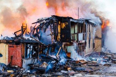 Bir evde yangın