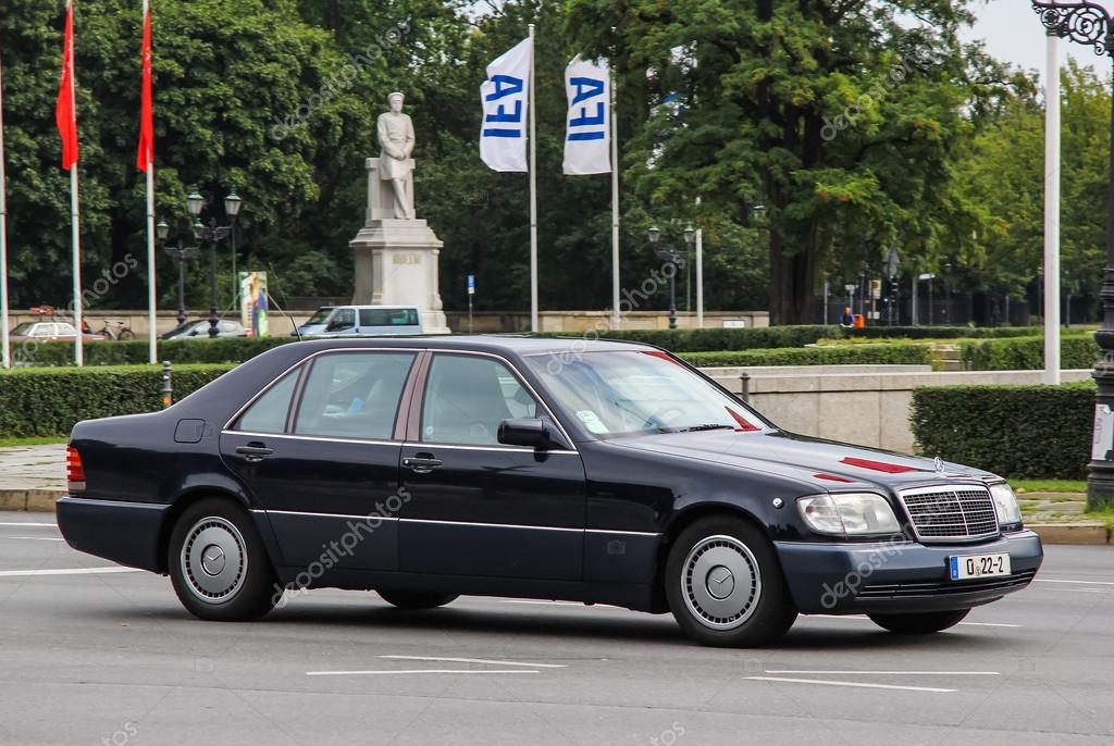 Mercedes-Benz W140 S-class – Stock Editorial Photo © Artzzz #79749000