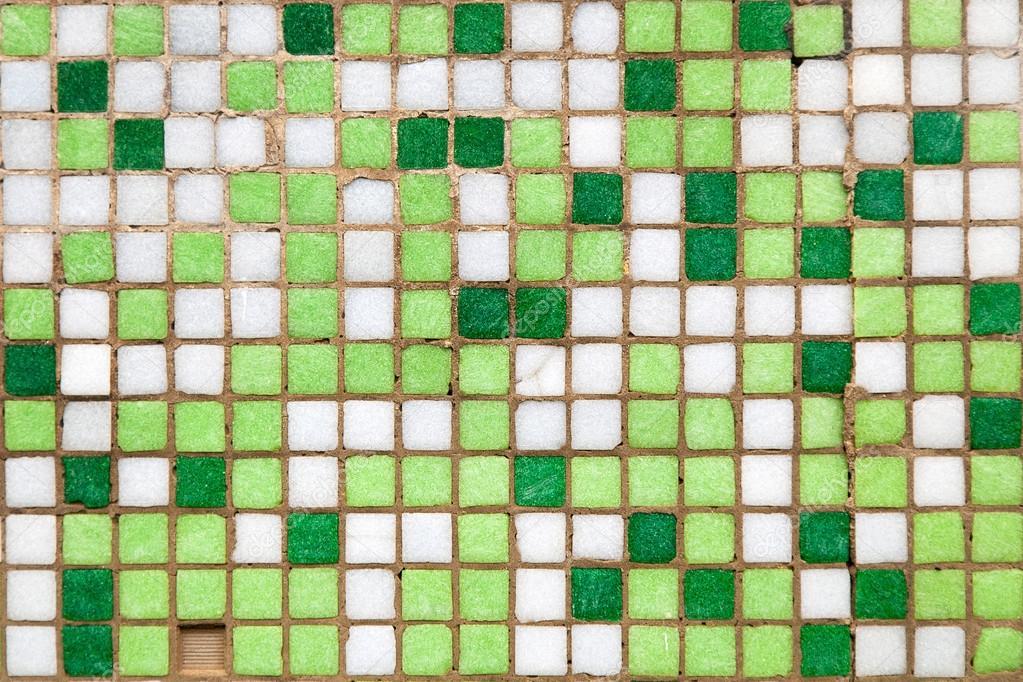 Groene Mozaiek Tegels : Groene mozaïek tegels close up u2014 stockfoto © gdolgikh #58341261