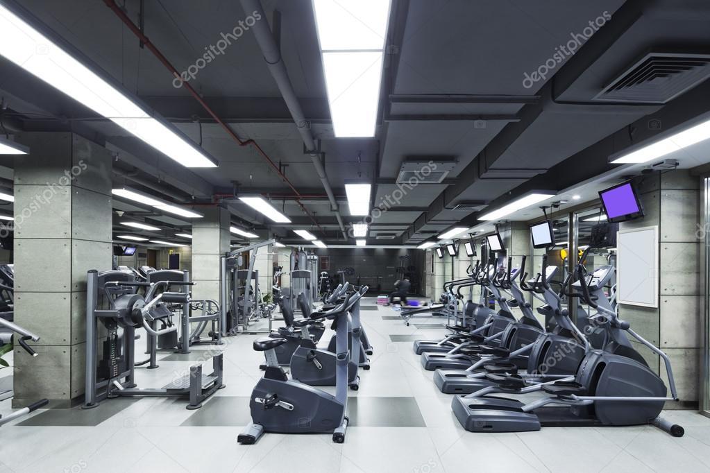 décoration et équipement dans la salle de sport moderne ...