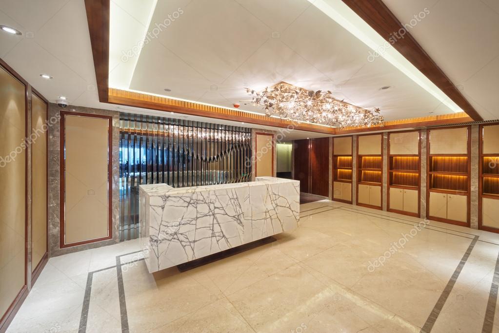 Entree corridor decoratie: hoe de kleur van de corridor te kiezen