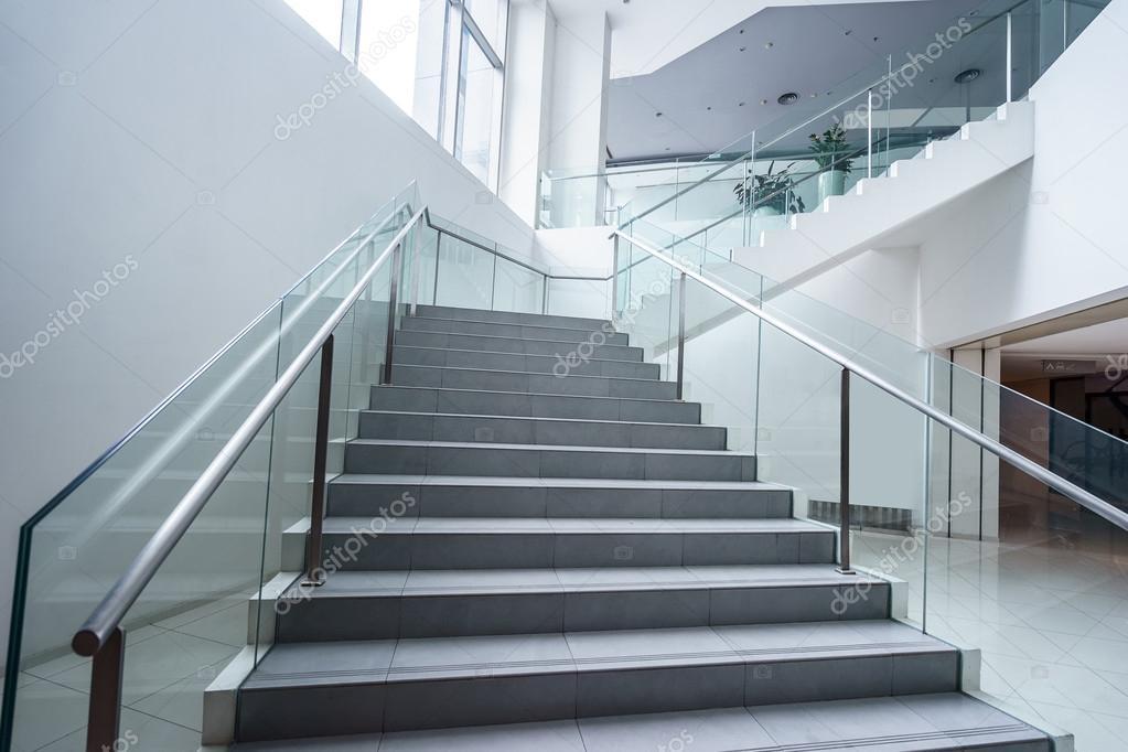 Immeuble De Bureaux Moderne Vide Interieur Photographie Zhudifeng