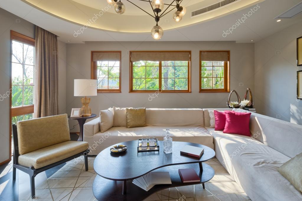 interieur van moderne woonkamer — Stockfoto © zhudifeng #94311940