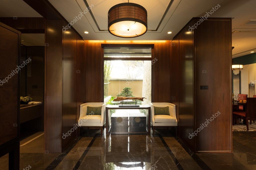 Decoratie Interieur Corridor : Interieur van moderne corridor in huis u stockfoto zhudifeng