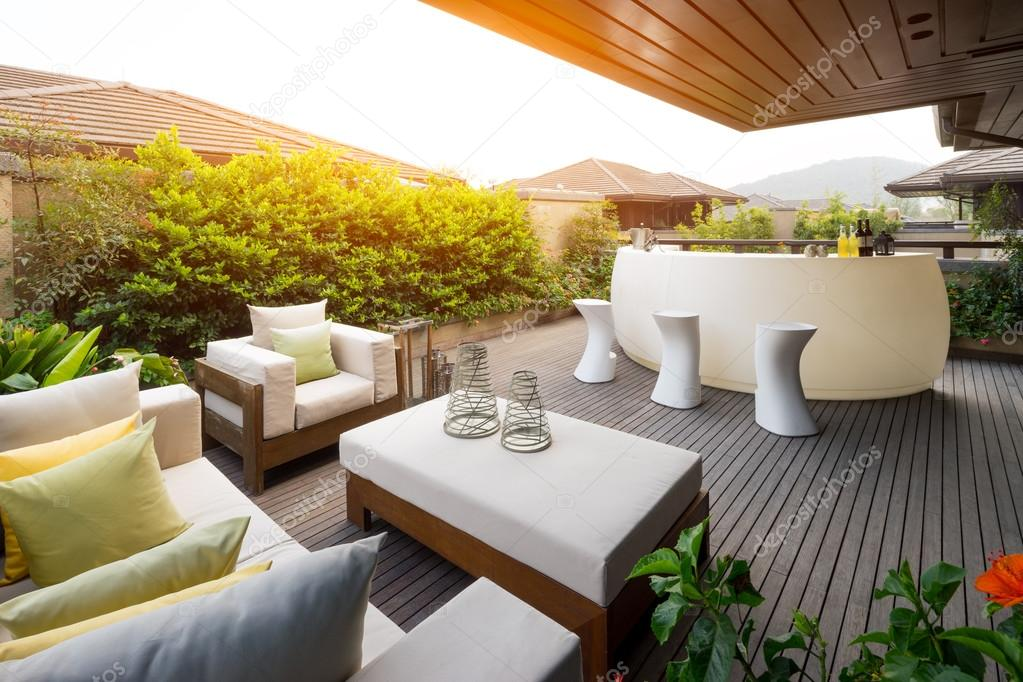 Design und Möbel in moderner Terrasse — Stockfoto ...