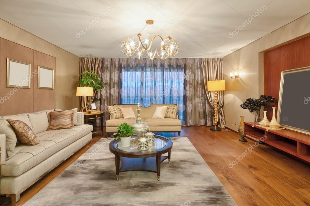 Dekoration Und Möbel Im Wohnzimmer Luxus U2014 Foto Von Zhudifeng