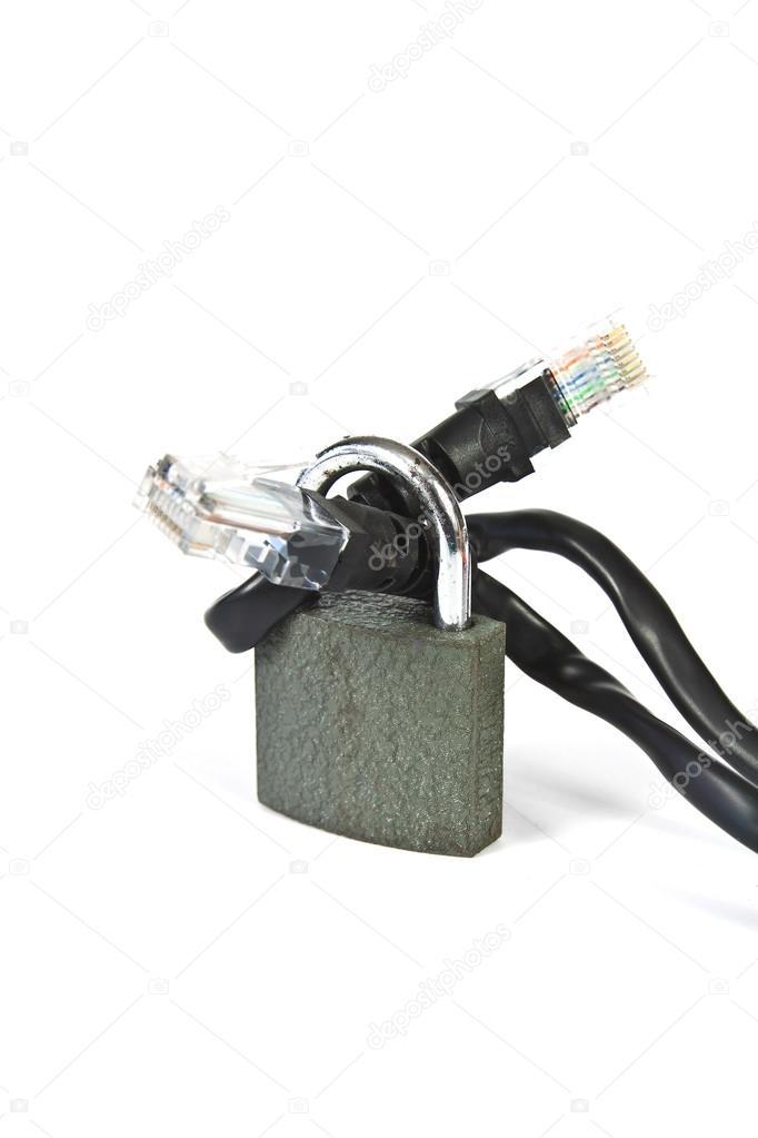 Internet-Kabel mit einem Vorhängeschloss — Stockfoto © kocetoilief ...