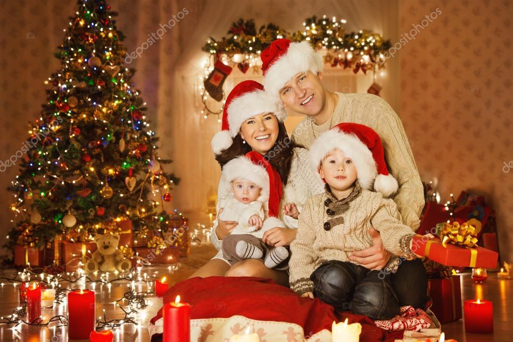 weihnachten familienfoto im hause urlaub wohnzimmer. Black Bedroom Furniture Sets. Home Design Ideas