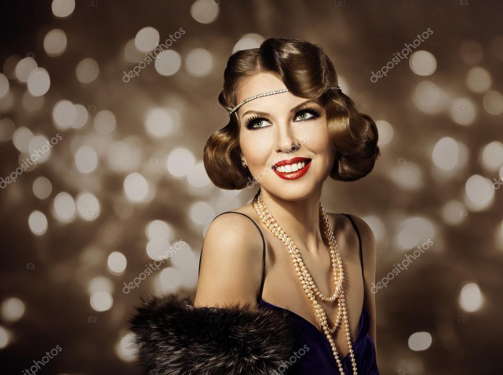 f9f3cc53d0bfd1 Жінка ретро зачіска портрет, елегантний леді Make Up і Кучеряве волосся  стиль, модель мода краса портрет– стокове зображення