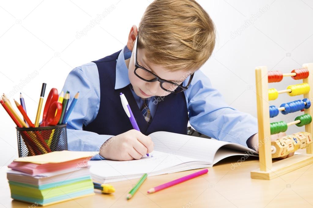 Imágenes: Un Niño Estudiante