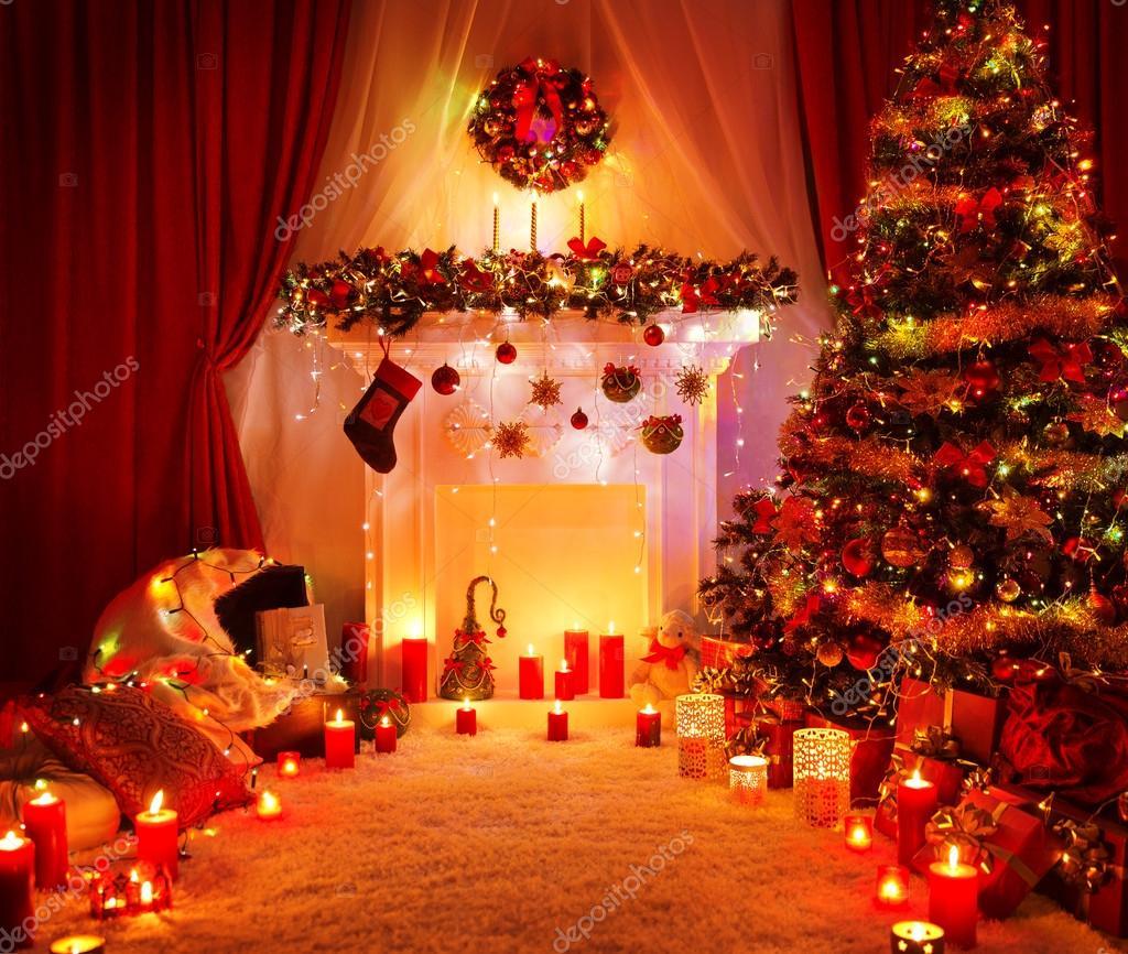 chambre sapin de noël cheminée lumières, décoration d'intérieur de