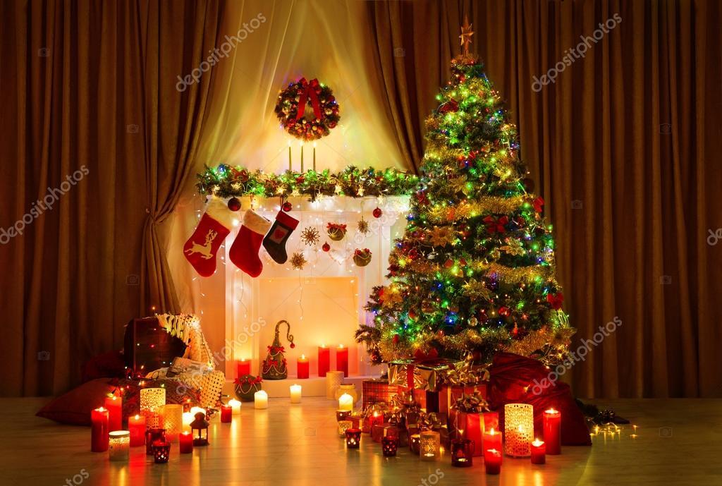 Kerstboom kamer xmas home nacht interieur open haard lichten