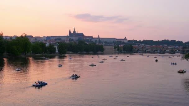 Praha město výhled při západu slunce