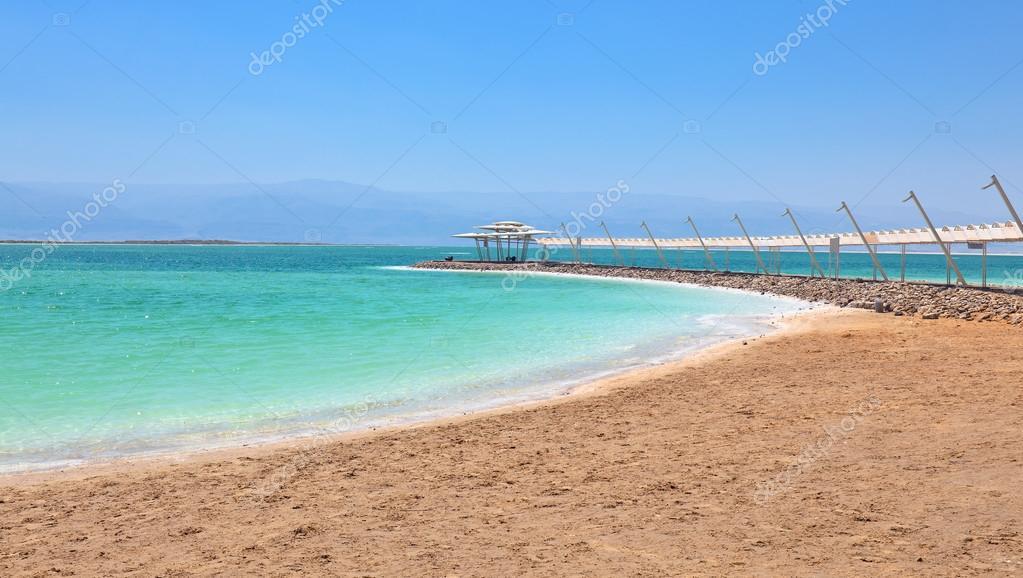Shore of the dead sea