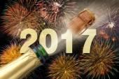 odprýskávání šampaňské a ohňostroj na nový rok 2017