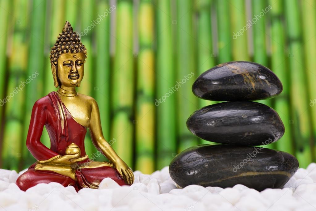 Buddha Im Zen Garten Stockfoto C Filmfoto 80572700