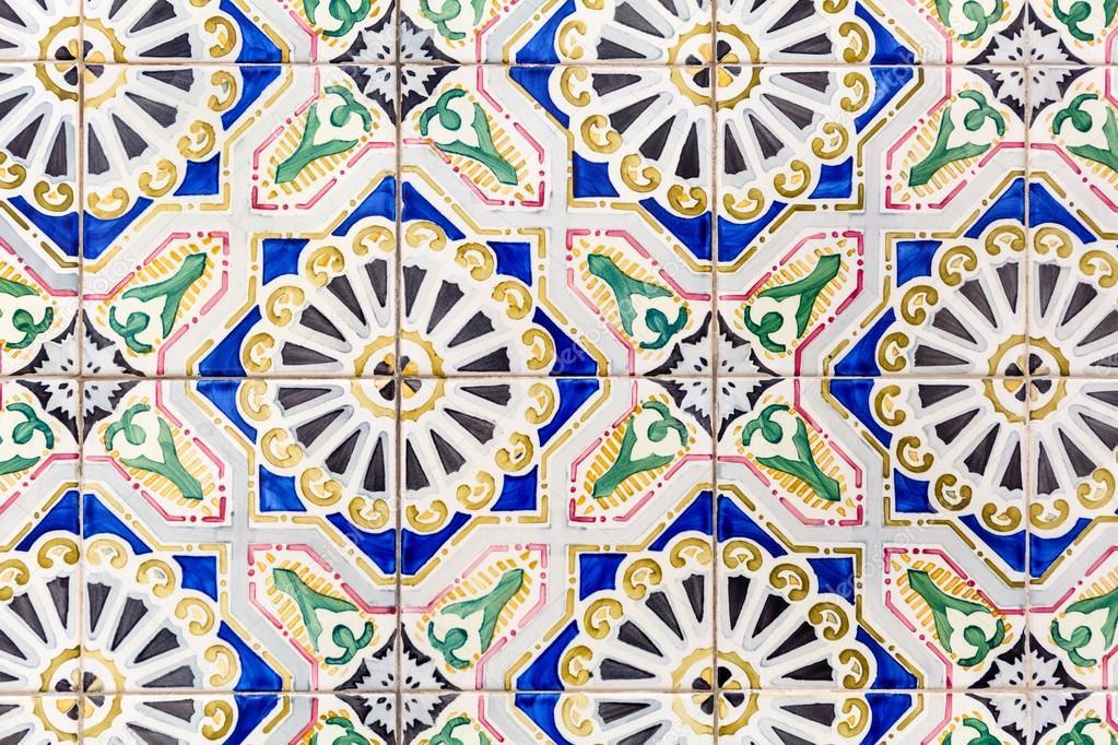 Alte Bunte Azulejos Hand Bemalte Kacheln Aus Lissabon Stockfoto - Bemalte fliesen kaufen