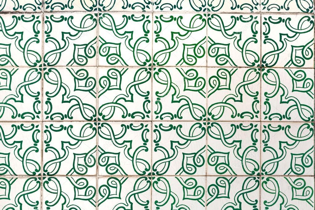 Azulejos Verde Con Dipinti Floreali   Piastrelle Fatte A Mano Da Lisbona,  Portogallo U2014 Foto Di Apeyron